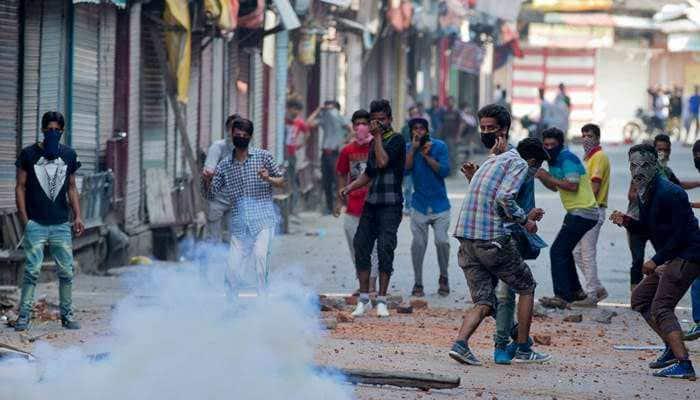 Pakistan using social media to mobilise Kashmiri youth toward terrorism, warns Army