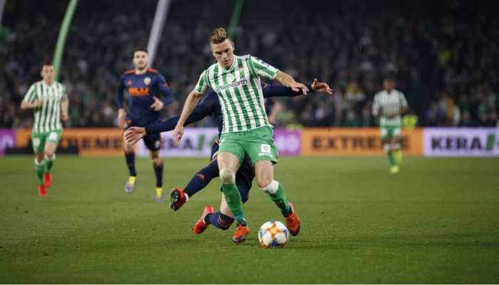 Copa del Rey: Valencia fight back after Real Betis score directly from corner
