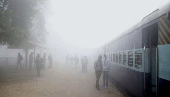 Winter chill continues in Delhi, 17 trains running late due to fog