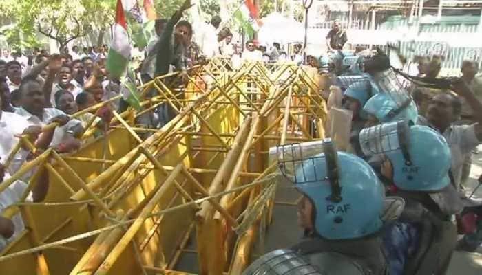 Puducherry: Ruckus outside Raj Nivas as protest against Lt Guv Kiran Bedi enter 2nd day