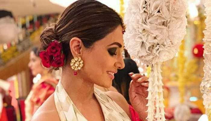 Hina Khan flaunts her 'komolika swag' in these pics