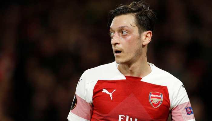 Arsenal's Alex Iwobi lauds Mesut Ozil impact but Unai Emery keen to rotate