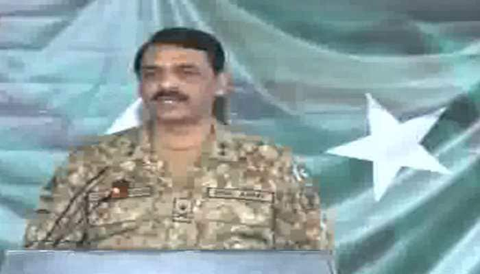 Pakistan says not preparing for war with India but will respond to war threats