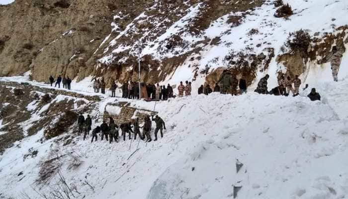 Operation to rescue for 5 jawans trapped in avalanche continues on Day 4
