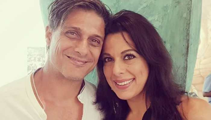Pooja Bedi gets engaged to boyfriend Maneck Contractor