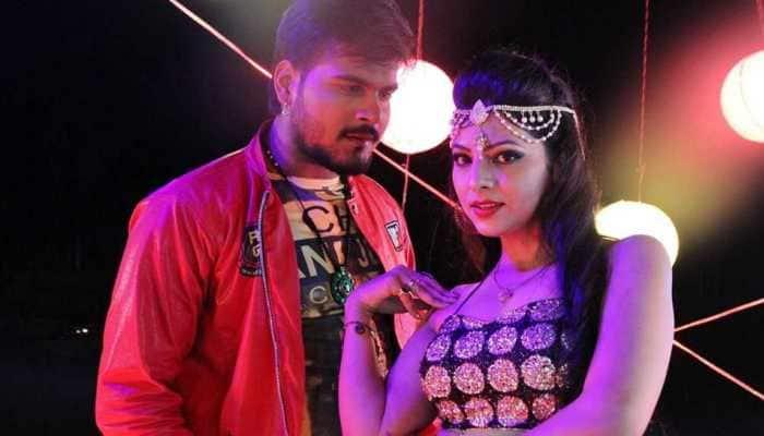 Arvind Akela Kallu to romance four actresses in 'Chaliya' - Pics