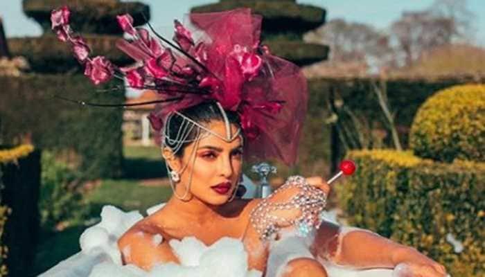 Priyanka Chopra oozes oomph in these pics!