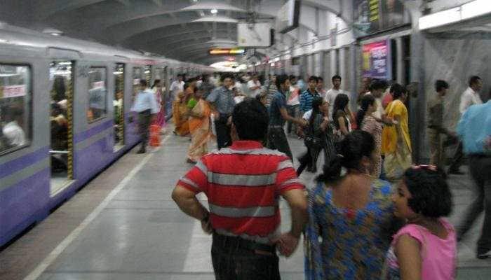 Sparks in third rail hit Kolkata Metro services
