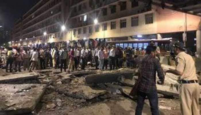 Mumbai foot overbridge collapse: How red traffic signal saved life of many motorists