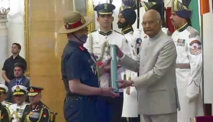 President Kovind presents gallantry awards and service decorations at Rashtrapati Bhavan