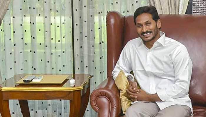 Over 1100 politicians, mostly from TDP, switch over to YSR Congress
