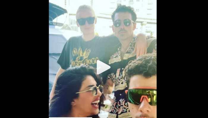 Priyanka Chopra-Nick Jonas groove to Kareena Kapoor's Tareefan-Watch