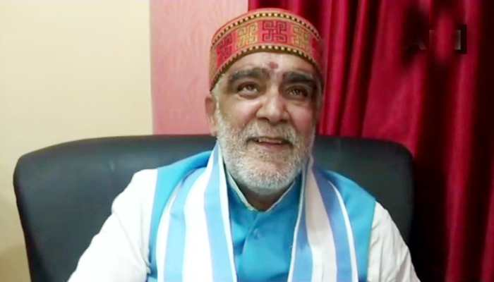 Watch: Union Minister and BJP leader Ashwini Kumar Choubey misbehaves with official after being stopped for violating MCC