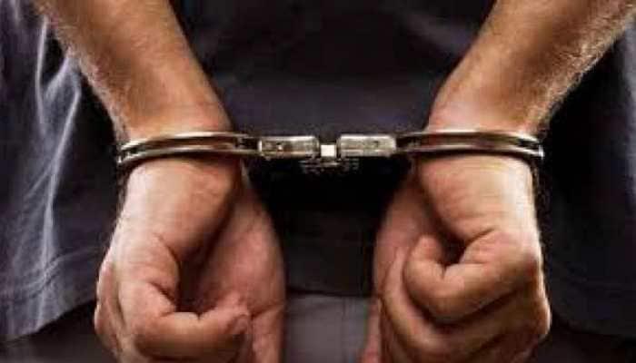 Hyderabad professor held for demanding bribe from students