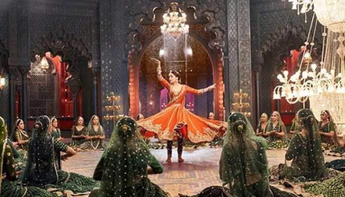 Madhuri Dixit's 'Tabah Ho Gaye' song from 'Kalank' gives major 'Devdas' feels—See fresh still