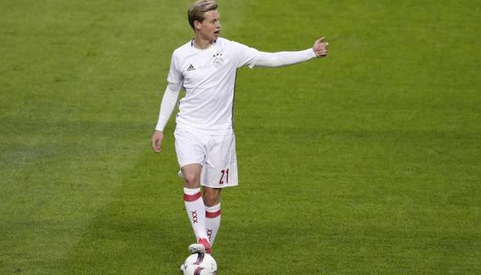 Ajax midfielder Frenkie De Jong may miss Juventus tie