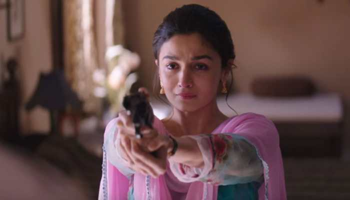 Alia Bhatt bags award for 'Raazi' again