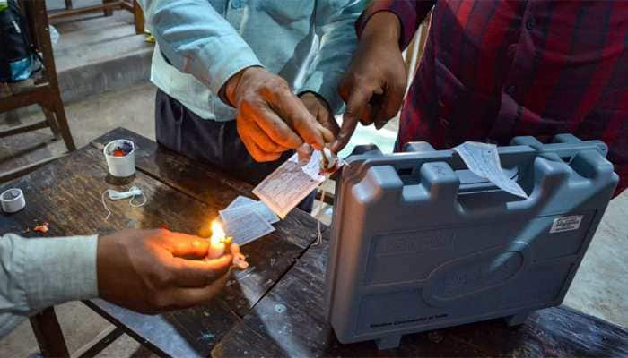 21 opposition parties move SC seeking counter check of 50% EVMs using VVPATs