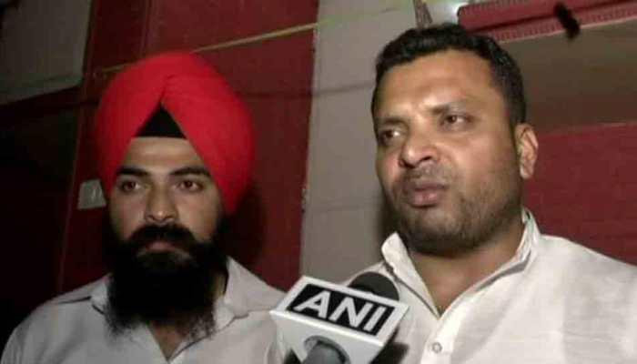 Delhi: Unidentified armed men open fire outside Congress leader Firoz Gazi's residence