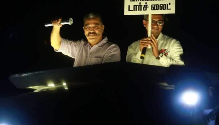 Eggs, stones thrown at meeting addressed by Kamal Haasan in Tamil Nadu's Aravakurichi