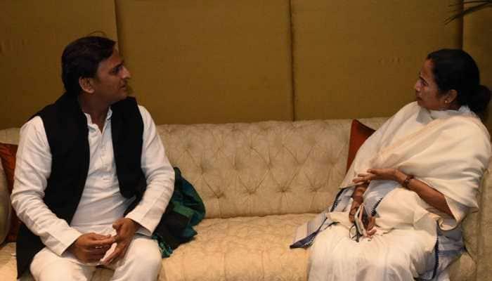 Akhilesh Yadav dials Mamata Banerjee, discusses possible post-poll scenarios