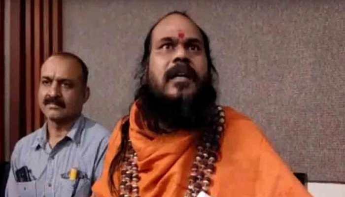 Niranjani Akhara sacks seer who organised yagna, vowed to die if Digvijaya Singh loses from Bhopal