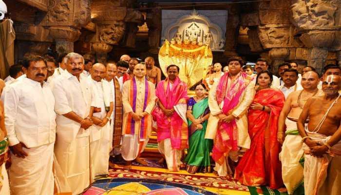KCR offers prayers to Lord Balaji in Tirumala
