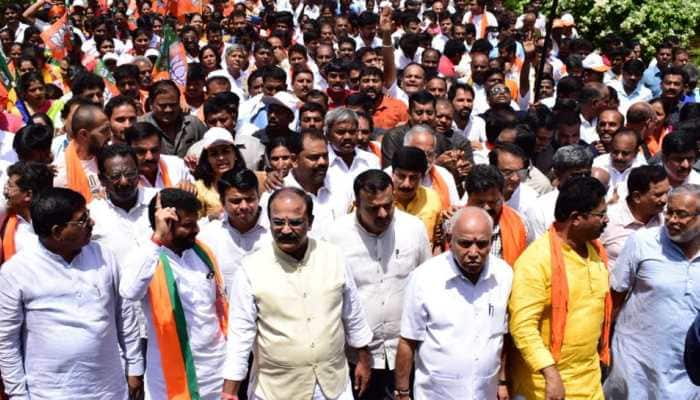 Karnataka CM offers to hold talks with Opposition, BJP leaders court arrest during 'siege' protest
