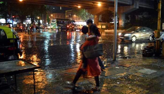 Delhi NCR wakes up to a rainy morning, maximum temperature goes down
