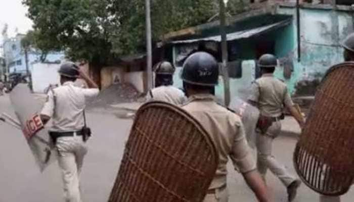 Two dead, four injured; police team attacked in clashes in West Bengal's Bhatpara