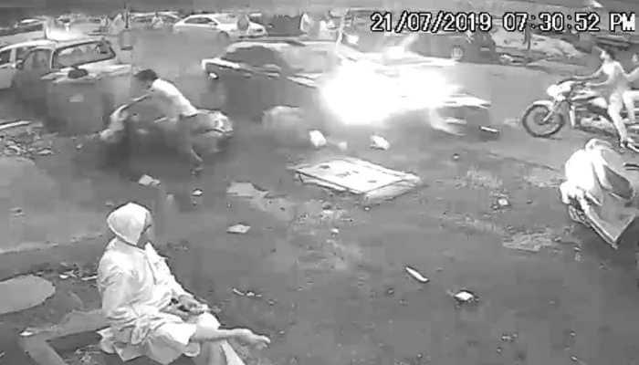 Navi Mumbai: Speeding car kills two; cops on lookout for driver