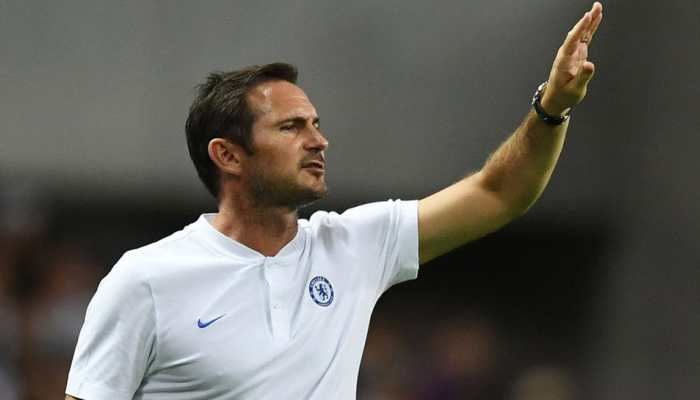Chelsea's Frank Lampard gets message across to players in Barcelona win