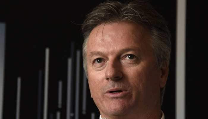 Australian bowlers must stick to their task, says Steve Waugh
