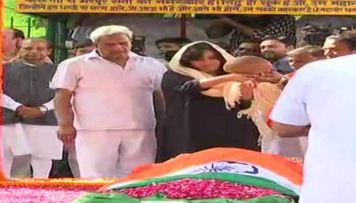 India bids teary farewell: Sushma Swaraj cremated with full state honours