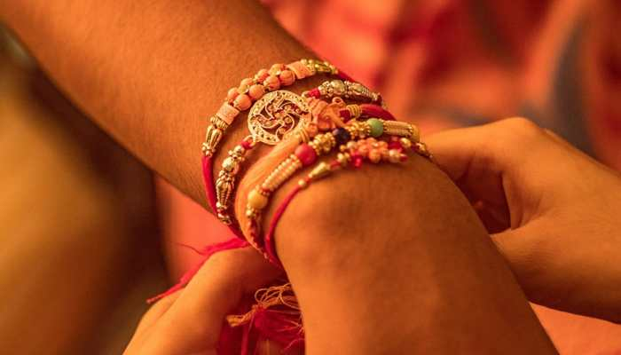 Raksha Bandhan 2019: Send these heartfelt WhatsApp, text and Facebook messages to your loved ones