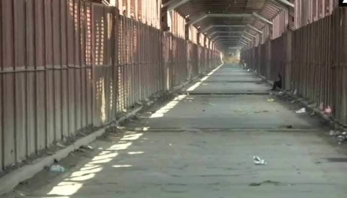 Yamuna nears danger mark in Delhi, vehicle movement stopped on iron bridge