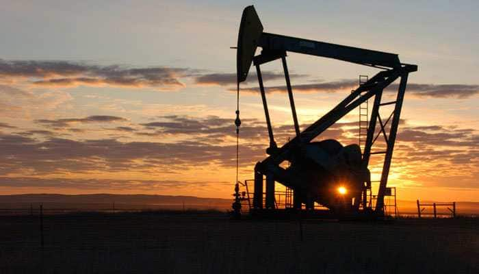 Crude oil, gas and refinery output slips