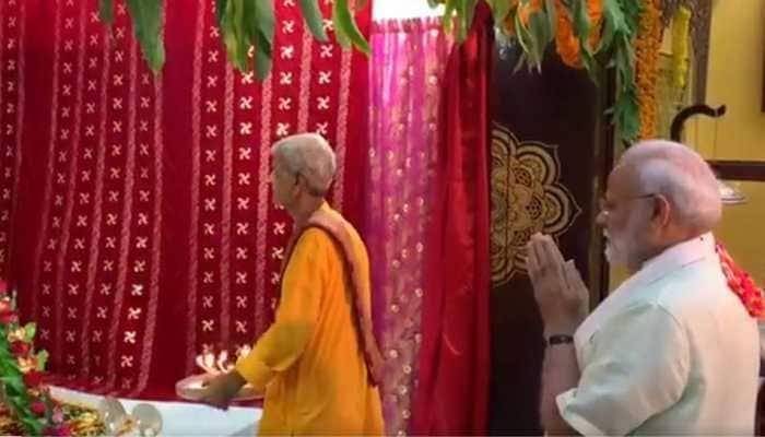 PM Narendra Modi offers prayers at Shreenathji Temple in Bahrain's Manama