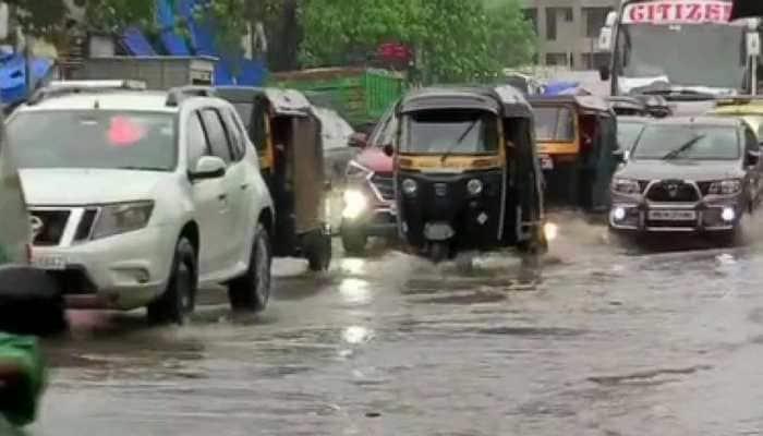 Heavy rain in Mumbai paralyses traffic