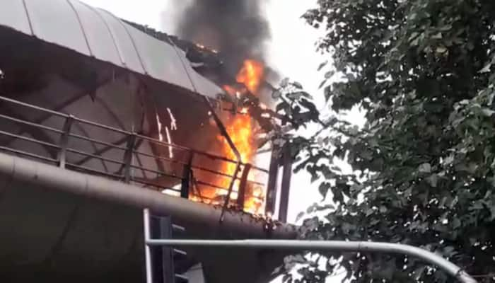 Fire breaks out on Mumbai skywalk at Cotton Green railway station, fire tenders at spot