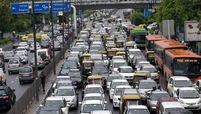 Delhi government faces opposition; plea challenging odd-even scheme filed in NGT