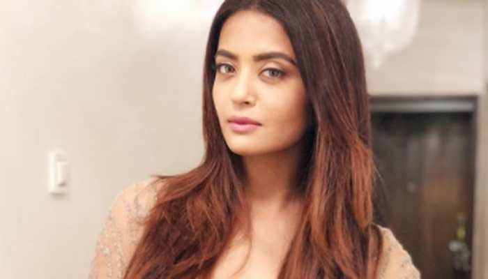 Directors wanted to see my cleavage, thighs: Surveen Chawla