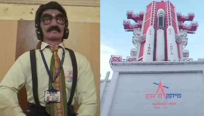 Durga Puja pandal inspired by Chandrayaan-2 made in Varanasi