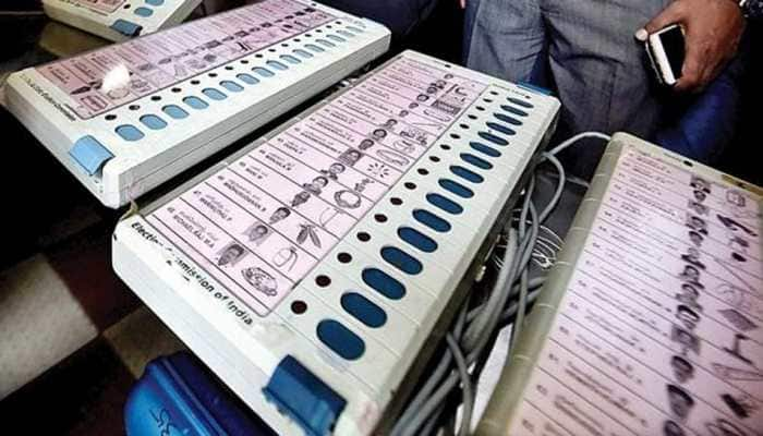 Huzurnagar by-poll: TRS, Congress locked in neck-and-neck fight