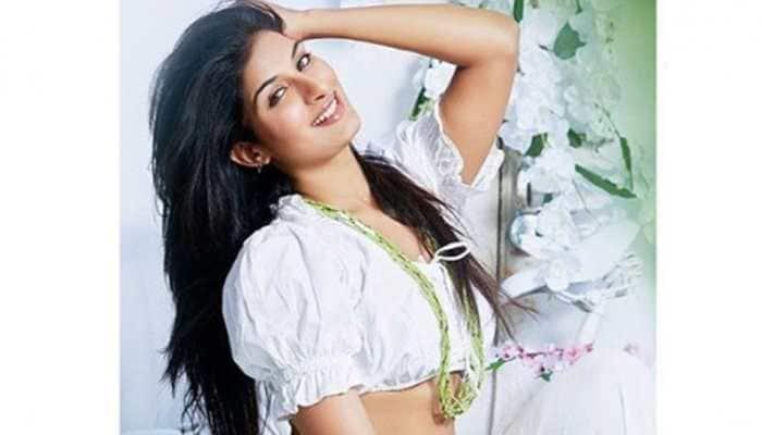 Arvind Akela Kallu-Poonam Dubey to star in a romantic movie