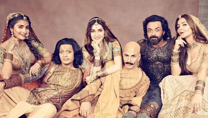 In a heartfelt tweet, Akshay Kumar thanks fans for 'unconditional love' showered on 'Housefull 4'