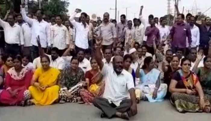 Telangana RTC  indefinite strike enters 25th day, court allows public meeting