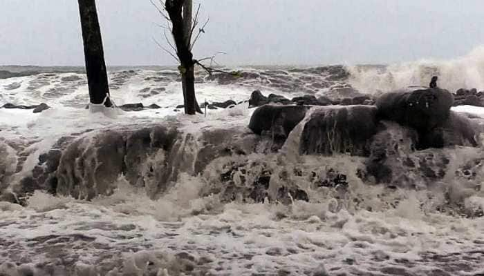 Extremely severe cyclone Maha to bring heavy rainfall in Gujarat, Maharashtra in next two days, advisory issued to fishermen