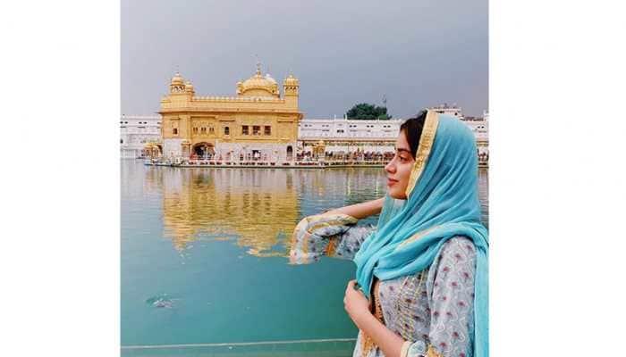 Janhvi Kapoor seeks blessing at Golden Temple before starting shooting for 'Dostana 2'