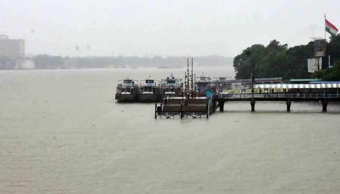 Cyclone Bulbul: West Bengal, Odisha to receive heavy rainfall in the next 24 hours; Naval ships standby for rescue operation